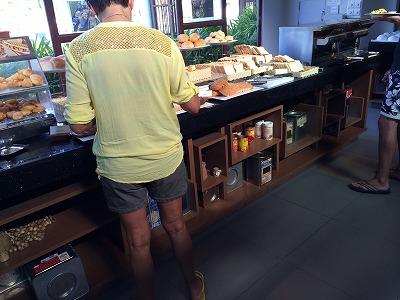 ザ サンズ カオラック バイ カタタニ リゾート朝食メニュー_パンコーナー