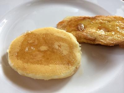 ザ サンズ カオラック バイ カタタニ リゾート朝食メニュー_パンケーキとフレンチトースト