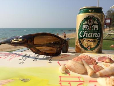 ザ・サンズ カオラック_ゴールデンサンズビーチでチャンビールの写真2
