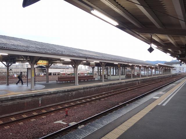 伊勢神宮参拝|大阪からのアクセス_伊勢市駅ホーム