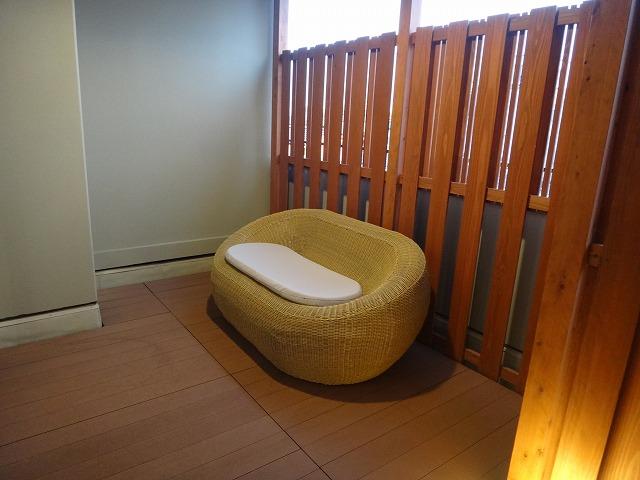 伊勢外宮参道 伊勢神泉2階203号室_客室露天風呂のあるベランダ