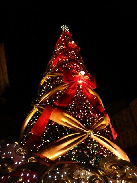 USJユニバーサルスタジオジャパン大阪のクリスマスツリーイルミネーション2