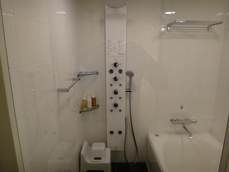 ホテルフォルツァFORZA博多筑紫口ツインルーム_お風呂