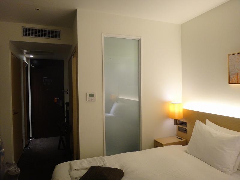 ホテルフォルツァFORZA博多筑紫口ツインルーム_室内ユーティリティ側