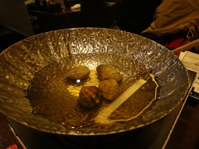 博多駅筑紫口の居酒屋おすすめ!徒歩1分「さかないち」実食_煮るハマグリ