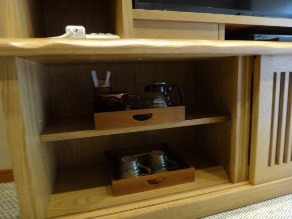 カムイの湯ラビスタ阿寒川森側の部屋_コーヒーメーカーと茶器