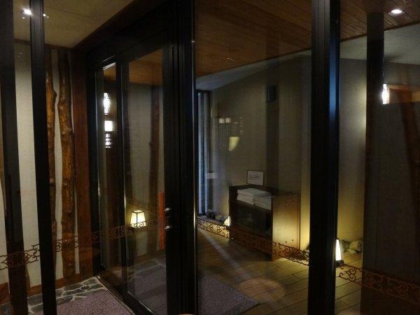 北海道の温泉ラビスタ阿寒川天然温泉大浴場_貸し切り風呂入り口