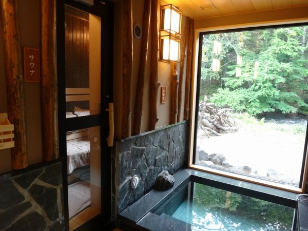 北海道の温泉ラビスタ阿寒川天然温泉大浴場_男湯サウナと水風呂