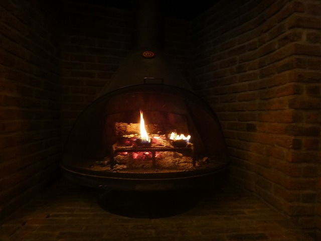 ラビスタ大雪山ロビーラウンジ_暖炉の火