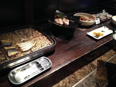 ラビスタ大雪山2013年11月朝食和洋バイキング料理_焼き魚