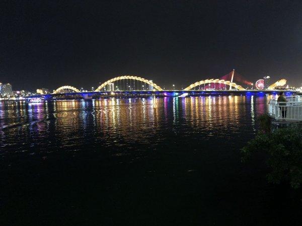 ベトナム・ダナンのロン橋(ドラゴン橋)_ダナン中心部側から見る