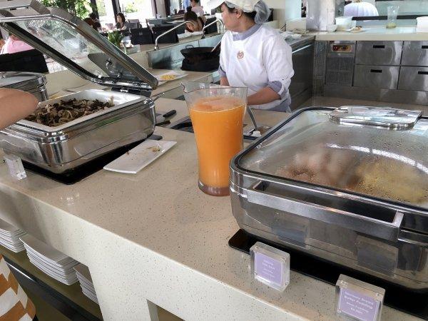 フュージョンマイアダナン朝食ブッフェ_卵料理コーナー