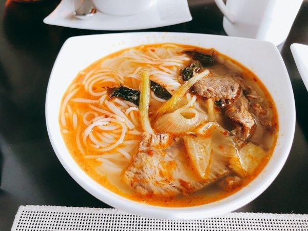 フュージョンマイアダナン朝食ブッフェ_麺料理1