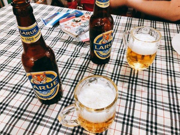ベトナム・ダナンのローカルシーフードレストラン_タインヒエン2(Thanh Hien2)_瓶ビールラルー