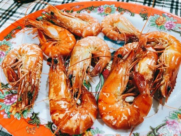 ベトナム・ダナンのローカルシーフードレストラン_タインヒエン2(Thanh Hien2)_エビ蒸し