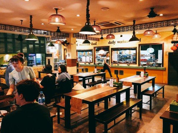 ホイアンのレストランおすすめVy's Market Restaurant_フードコートのようなお店たち1