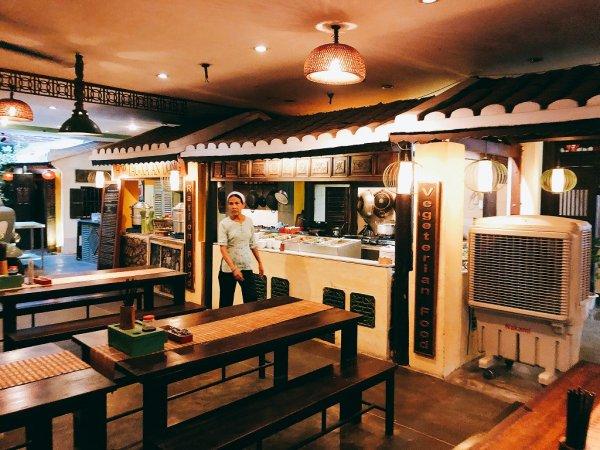 ホイアンのレストランおすすめVy's Market Restaurant_フードコートのようなお店たち 2