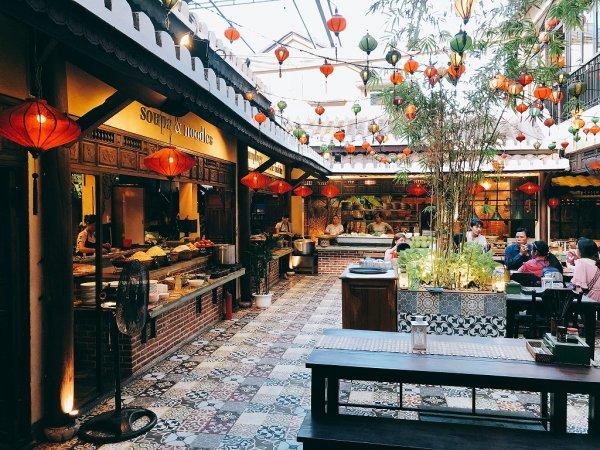 ホイアンのレストランおすすめVy's Market Restaurant_オープンエア席