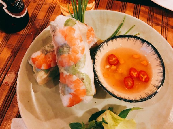 ホイアンのレストランおすすめVy's Market Restaurantで実食_生春巻き