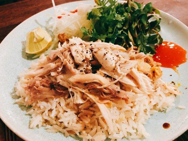 ホイアンのレストランおすすめVy's Market Restaurantで実食_ホイアンの蒸し鶏コムガー
