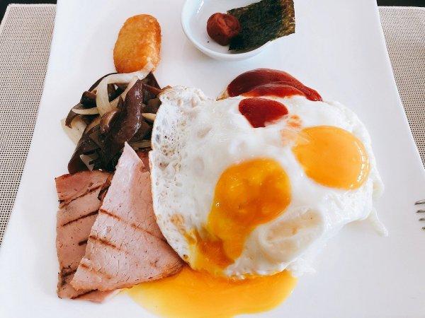 フュージョンマイアダナン朝食ブッフェ_取ってきたお皿1