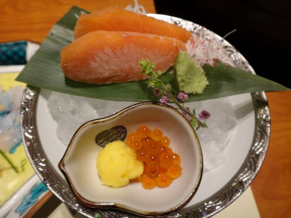 カムイの湯ラビスタ阿寒川レストラン「ワッカピリカ」の夕食_秋シャケのルイベ