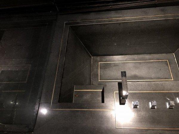 フュージョンマイアダナン_2102号室バスルームバスタブステップにゴキブリ1