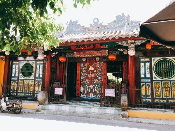 ホイアン旧市街観光_関羽を祀る関帝廟入り口