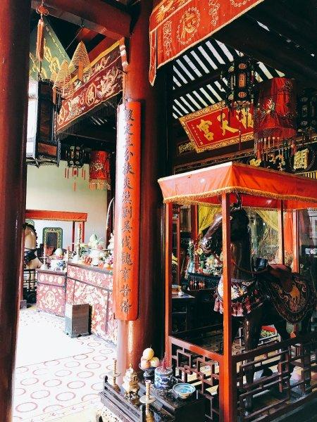 ホイアン旧市街観光_関羽を祀る関帝廟赤兎馬