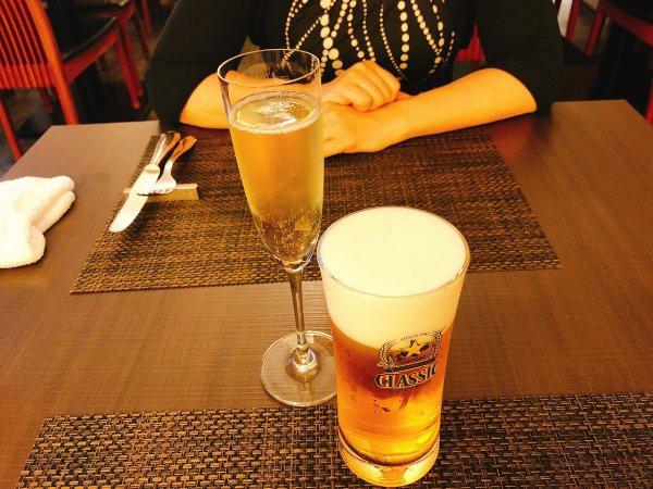 札幌イタリアンリッチRICCI cucinaITALIANA1回め実食_まずはビールと泡