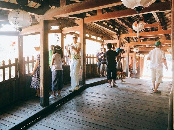 ホイアン旧市街観光_日本人橋(来遠橋)の中2