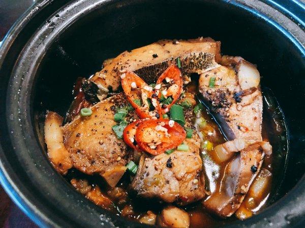 ベトナム・ダナンの高級レストラン マダム・ランMadame Lanお料理実食_黒胡椒のスパイシー感が効いたお魚料理
