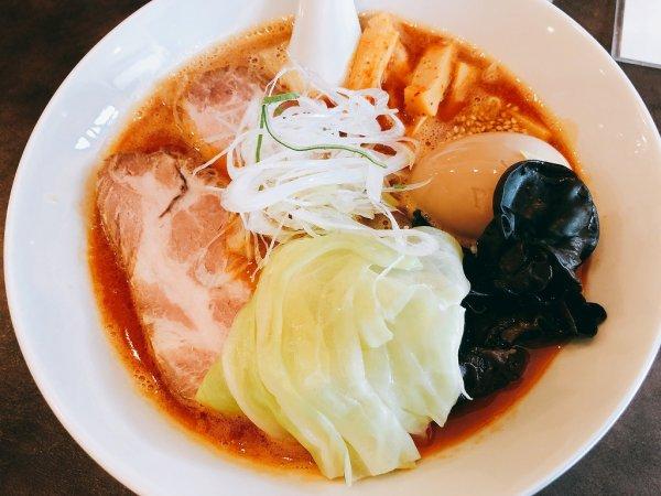 千歳ラーメン麺や麗(めんや れい)_旨辛みそラーメン 煮玉子トッピング