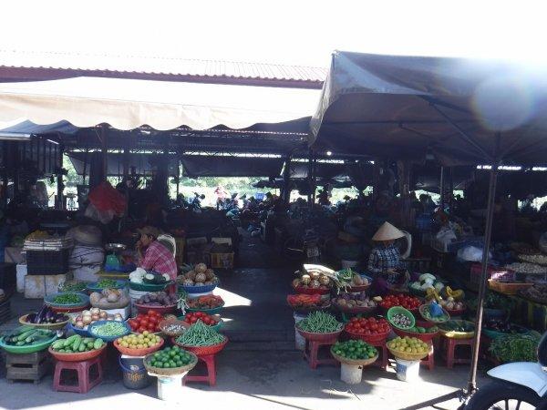 ホイアン旧市街観光_ホイアン市場2