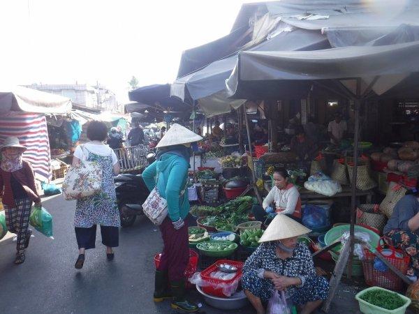 ホイアン旧市街観光_ホイアン市場4