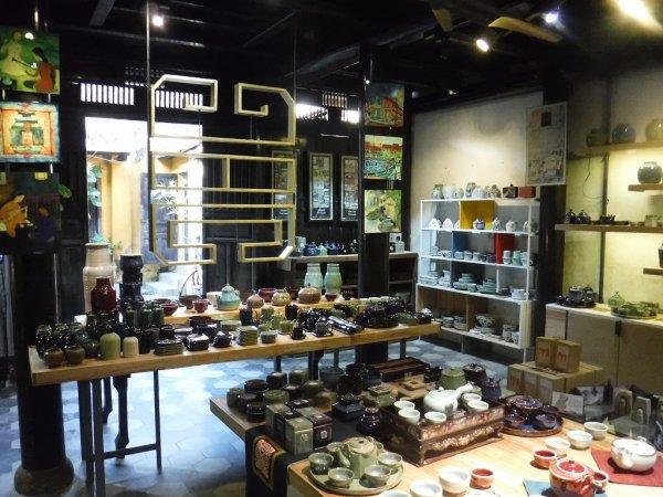 ホイアン旧市街観光_ホイアンの雑貨店cotic食器屋さん