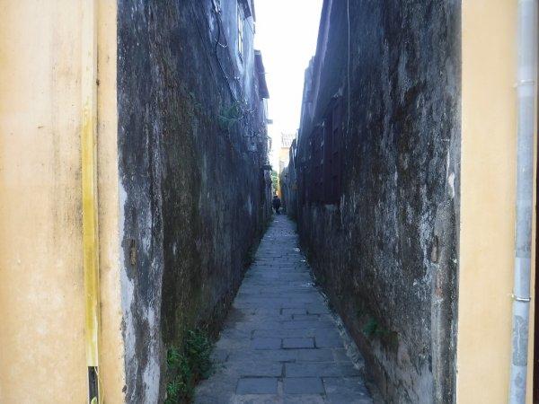 ホイアン旧市街観光_ホイアンの町並みと建物2