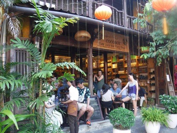 ホイアン旧市街観光_ホイアンのカフェCOCOBOX入り口