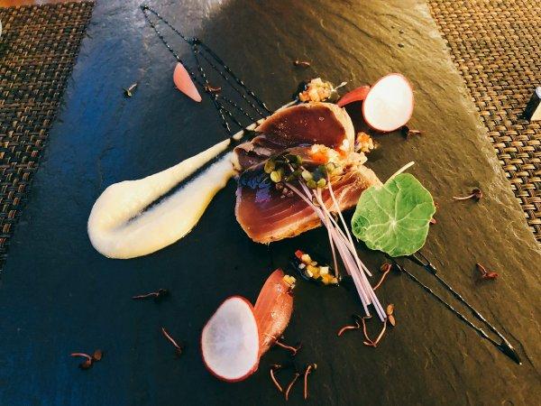 札幌イタリアンリッチRICCI cucinaITALIANAリピート2回めイザ実食_一皿目 カツオの瞬間スモーク