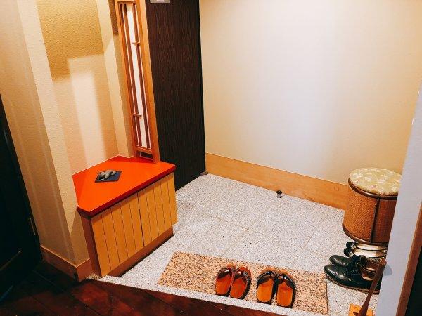 湯の川温泉望楼NOGUCHI函館12階1202「月見の間」_入り口内部
