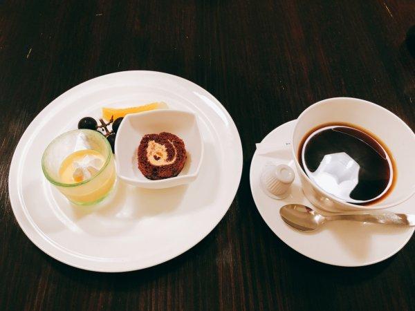 望楼NOGUCHI函館朝食_食後のデザートとコーヒー