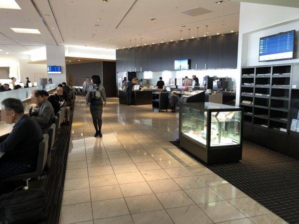 【メキシコ旅行】プエルトバジャルタの行き方_成田空港ANAラウンジ内部
