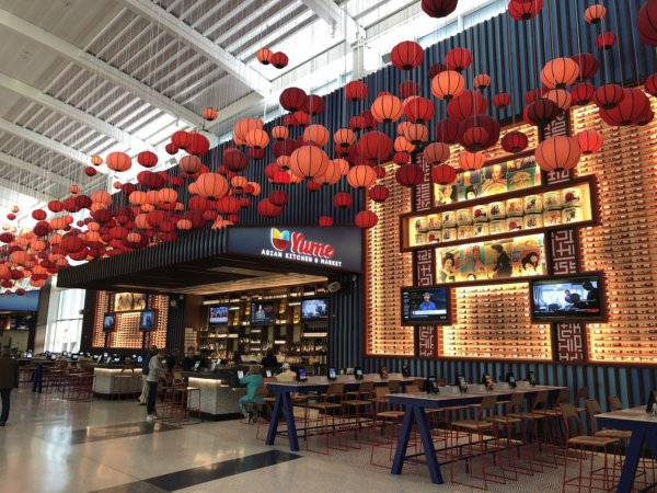 【メキシコ旅行】プエルトバジャルタの行き方_ヒューストン国際空港乗り継ぎターミナルの風景1