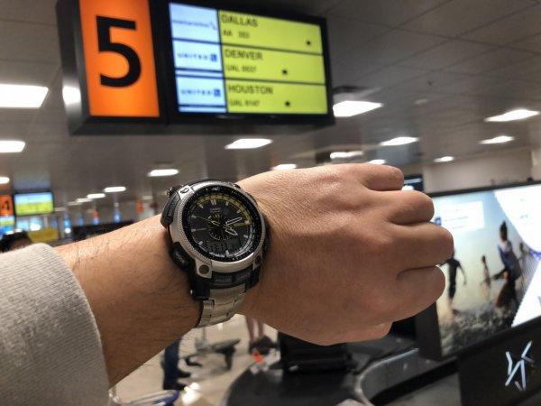【メキシコ旅行】プエルトバジャルタの行き方_プエルトバジャルタ空港での腕時計時間