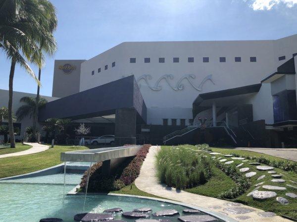 メキシコ・ハードロックホテルバジャルタに送迎タクシーで無事到着