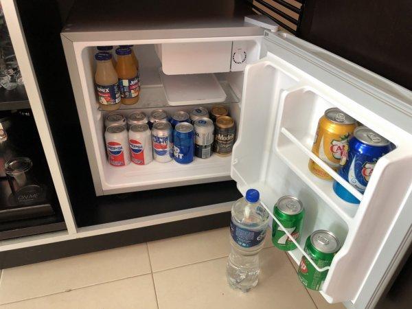 ハードロックホテルバリャルタのデラックスゴールドルーム_冷蔵庫