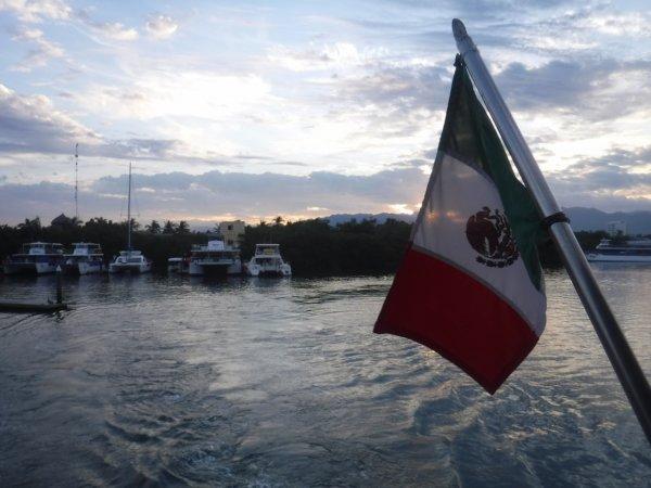 ワールドベンチャーズDreamTripsにセットされていたマリエタス諸島ツアーMARIESTA ECO-DISCOVERRY_出発した港の風景