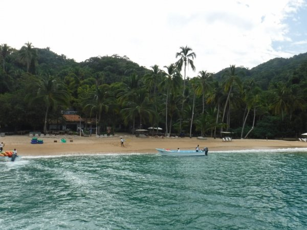 ワールドベンチャーズDreamTripsにセットされていたマリエタス諸島ツアーMARIESTA ECO-DISCOVERRY_ビーチに上陸