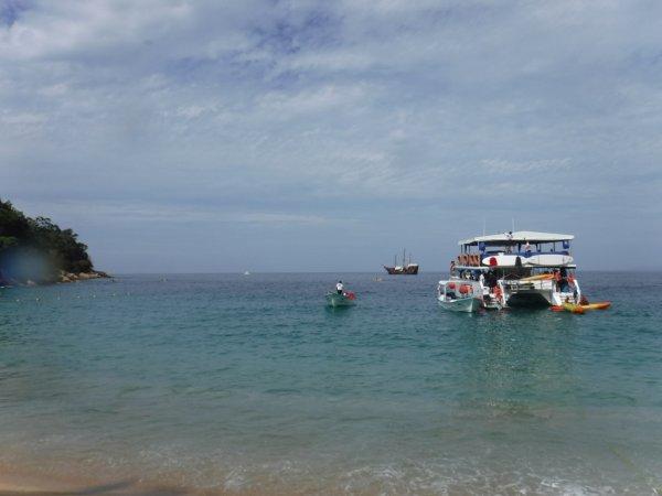 ワールドベンチャーズDreamTripsにセットされていたマリエタス諸島ツアーMARIESTA ECO-DISCOVERRY_船から泳いでビーチへ