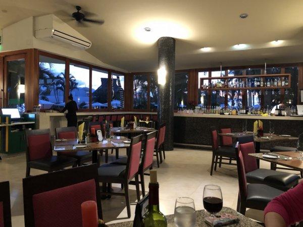 ハードロックホテルバリャルタのディナーレストラン_ブラジル料理 IPANEMA_店内の雰囲気